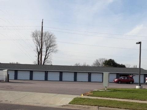 John Wenum garages