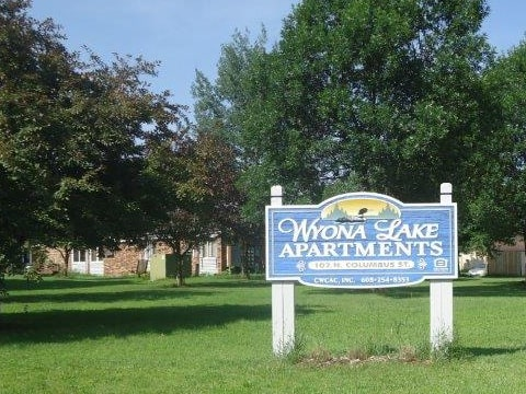Wyona Lakes Apartments